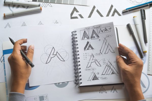 graphic-designer-sketch-design-logo_262807-13